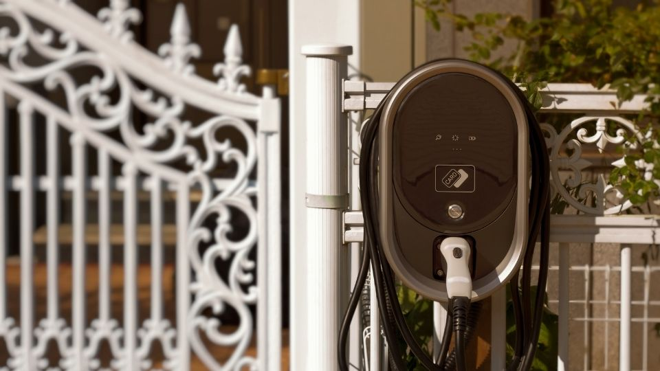 Domestic fast electric car charger
